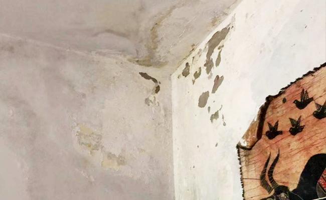 墙角防水补漏